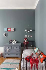 peinture de mur pour chambre idee deco chambre d enfant peindre un mur de couleur pour relever la