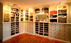 Furniture For Walk In Closet by Traditional Bathroom Decorating Ideas Home Design Jobs