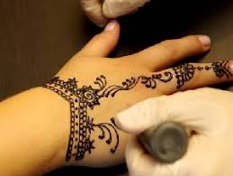 skilled henna tattoo artists available for kids parties in miami