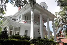 savannah style homes 20 historic airbnb rentals for old house lovers georgia edition