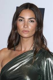 hairstyles to disguise turkey neck the hairstyles for square faces that ll flatter your angles