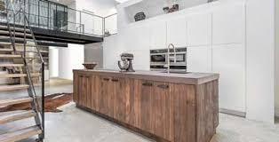 d馗oration cuisine ouverte une cuisine ouverte au contraste déco saisissant