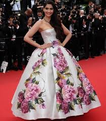 amazing striking floral embroidery celebrity dress strapless