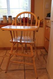 How To Paint Wooden Chairs by Do It Yourself Divas Diy Stripping Paint Stain And Varnish Off
