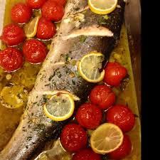 comment cuisiner un saumon entier saumon four recette fabulous saumon au four la with saumon four