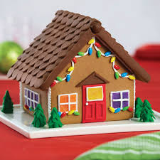 gingerbread cottage kit with fondant decorations
