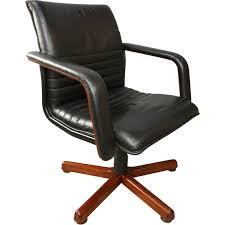 fauteuil de bureau en bois pivotant fauteuil de bureau vintage pivotant en bois et cuir 1960 design