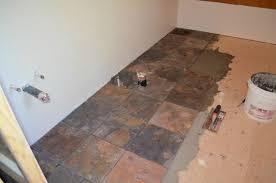 plancher ardoise cuisine céramique ardoise plancher on ne sait plus où donner de la