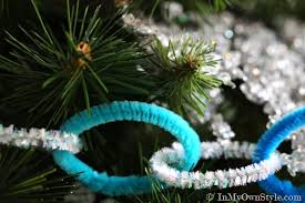 diy christmas decorations pipe cleaner garland in my own style