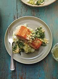 comment cuisiner le poireau a la poele saumon poêlé et purée de pommes de terre aux poireaux ricardo