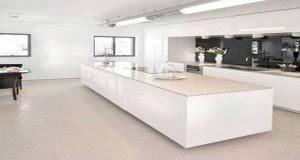 cuisine blanche moderne 8 crédences pour dynamiser la déco de la cuisine deco cool
