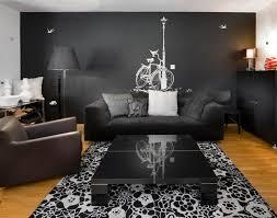idee deco salon canape noir 12 superbes décorations de salon avec un canapé noir bricobistro