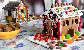 House Hacks Gingerbread House Decorating Tips And Tricks