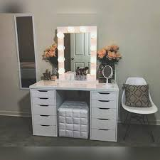 Diy Makeup Vanity Desk Makeup Desk With Lighted Mirror Furniture Vanity Mirror With Table