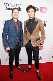 Hernandez Brothers Carpet by Photo Gallery 2016 Streamy Awards Red Carpet Arrivals The