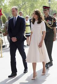 kate middleton dresses kate middleton has a marilyn monroe moment in white dress
