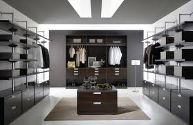 21 elegant and gorgeous walk in closet designs top inspirations