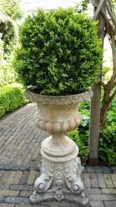 Urn Planters With Pedestal 102 Best Urns Urn Decor Classic Urns Garden Urns Shabbby Chic