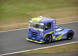 scania trucks file formula truck 2006 scania muffato jpg wikimedia commons