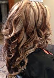 layered highlighted hair styles pretty bold highlight long layered hairstyles for women bald