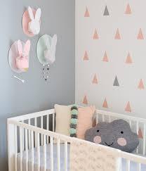 couleur chambre bébé fille chambre bébé moderne stickers mur et motifs