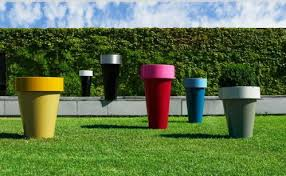 Backyard Accessories Decorative Planters And Plant Stands By De Castelli