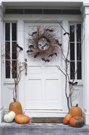 Make At Home Halloween Decorations by Best 25 Halloween Front Porches Ideas On Pinterest Halloween