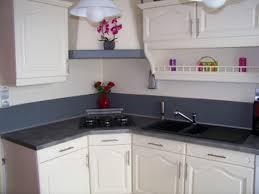 cuisine en chene repeinte cuisine repeinte en blanc avec cuisine chene repeinte blanc avec