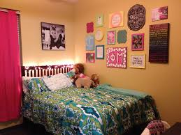 college bedroom decorating ideas college wall decor ideas that feel refreshing and serene