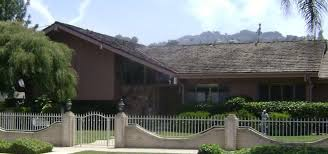 the real brady bunch house los angeles california the brady bunch house los angeles roadtrippers