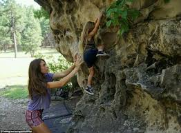 Arizona traveling with toddlers images Arizona four year old hadlie brechler shows off her rock climbing jpg