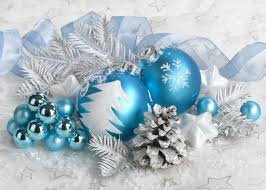 Small Blue Christmas Decorations by 1268 Best Silver Blue White Images On Pinterest Christmas Ideas