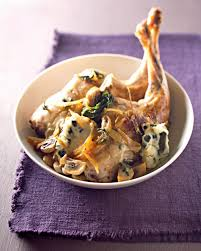 cuisiner le lapin en sauce recette cuisses de lapin sauce roquefort