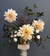 fall flower arrangements fall flower arrangements pretty autumn floral arranging ideas