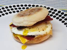 Breakfast Sandwich Toaster Bacon And Egg Breakfast Sandwich Cooked In The Toaster Oven Youtube