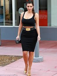 miami heat curvy kim kardashian flashes her stomach in a tight