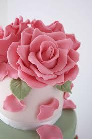 How To Make Sugar Glue Cake Decorating Howto Beautiful Gum Paste Roses Cakes Cakes Cakes Wonderhowto