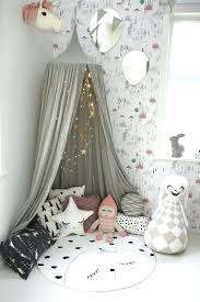etoile lumineuse pour chambre etoile lumineuse pour chambre style cocooning tipi gris guirlandes