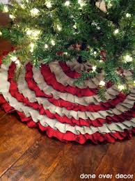 tree skirt made with burlap fabric and an cheap tree skirt you