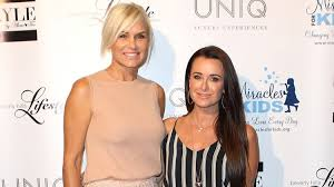 yolanda foster back of hair kyle richards and yolanda foster confirm their return to real