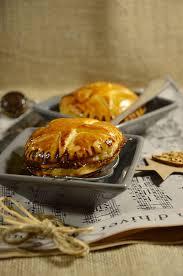 chausson cuisine chausson au foie gras et confit d oignon recette tangerine zest