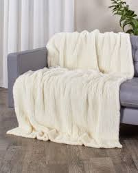 real fur blankets u0026 fur throws fursource com