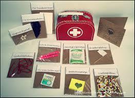 kleine hochzeitsgeschenke ehe notfallbox inkl druckvorlage hochzeitsgeschenke geschenk