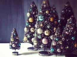 Where To Shop For Home Decor Want A Jolly Home Here U0027s Where To Shop For Christmas Decor
