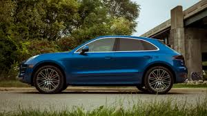 porsche macan 2017 porsche macan turbo with performance package review roadshow
