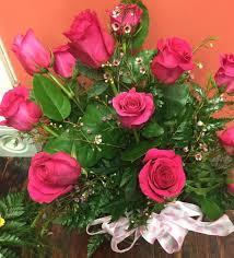 hot pink roses dozen hot pink roses in centerville ia flower tique