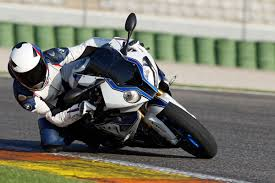 bmw sport bike bmw hp4 supersport bike makes its race debut bmw news at