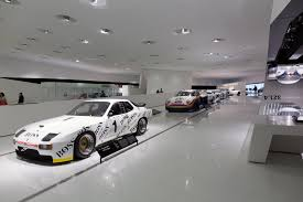 porsche museum file porsche museum interior 1 2013 march jpg wikimedia commons