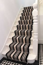 Stairway Landing Decorating Ideas by Best 25 Striped Carpet Stairs Ideas Only On Pinterest Grey