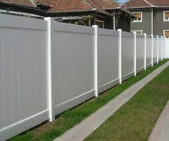 Estimates For Fence Installation by Best 25 Vinyl Fence Cost Ideas On Vinyl Fencing
